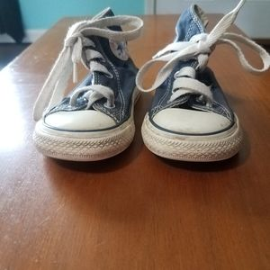 Toddlers boys converse all star tennis shoes